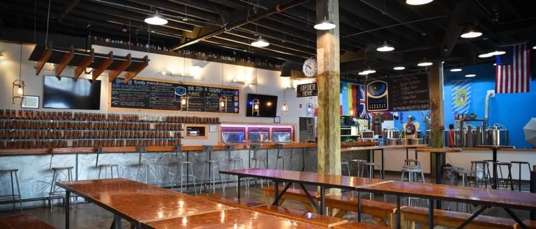 The interior of Ciclops Cyderi & Brewery.